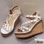 รองเท้าส้นเตารีดรัดส้นสีขาว ตอกหมุดปิรามิด สไตล์ VALENTINO (สีขาว ) thumbnail 6