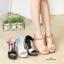 รองเท้าส้นเตารีดแบบรัดข้อ ทรงเก็บหน้าเท้า แต่งทูโทน (สีน้ำตาล ) thumbnail 5