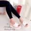 รองเท้าส้นเตารีด แบบสวม แต่งไขมุก ทูโทน (สีขาว ) thumbnail 3