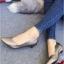 รองเท้าคัทชูหัวแหลม ส้นเตี้ย ขอบหยัก หน้าV (สีเทา ) thumbnail 1