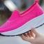 รองเท้าผ้าใบเสริมส้นสีแดง พื้นสุขภาพ มีรูระบายอากาศ (สีแดง ) thumbnail 3