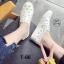 รองเท้าผ้าใบแฟชั่นสีขาว หนังพียูเจาะลายฉลุ ไม่มีเชือก (สีขาว ) thumbnail 6