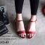 รองเท้าส้นเตี้ยรัดส้น ตัดขอบทอง (สีแดง ) thumbnail 4