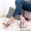 รองเท้าส้นสูงเปิดส้น พียูใสนิ่มไม่บาดเท้า ส้นไม้ (ดอกไม้สีเทา ) thumbnail 2