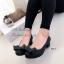 รองเท้าคัทชู ส้นเตี้ย หัวกลม แต่งโบว์ (สีดำ ) thumbnail 3