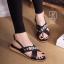รองเท้าแตะรัดส้นสีดำ สายคาดไขว้ ประดับเพชร (สีดำ ) thumbnail 4