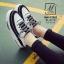 รองเท้าผ้าใบแฟชั่นสีดำ korea style ดีไซน์เก๋ส์ (สีดำ ) thumbnail 2