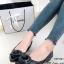รองเท้าคัทชู หัวแหลม แต่งกุหลาบ (สีดำ ) thumbnail 1