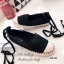 รองเท้าผ้าใบ ผ้าลูกไม้ โครเชถัก ขอบหุ้มเชือกปอ มีเชือกพันขา (สีดำ ) thumbnail 4