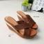 รองเท้าส้นเตารีด ทรงสวม สายคาดไขว้ ส้นขอบทอง (สีน้ำตาล ) thumbnail 3