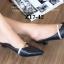 รองเท้าส้นเตี้ย หัวแหลม เปิดส้น สายคาดสีทอง (สีดำ ) thumbnail 3