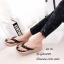 รองเท้าแตะผู้หญิงสีดำ แบบคีบ แต่งอะไหล่คริสตัลหน้าดอกซากุระ (สีดำ ) thumbnail 3