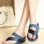 รองเท้าส้นเตารีด แบบสวมนิ้วโป้ง สไตล์fitflop (สีน้ำเงิน )