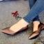 รองเท้าคัทชูหัวแหลม ส้นเตี้ย ขอบหยัก หน้าV (สีน้ำตาล )