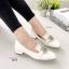 รองเท้าคัทชู หนังแก้ว สไตล์MIUMIU (สีขาว ) thumbnail 2