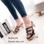 รองเท้าส้นสูงสีดำ ส้นไม้ Style Valentino (สีดำ ) thumbnail 3