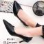 รองเท้าคัทชูหัวแหลมสีดำ ดีไซน์หน้าวี เอาใจสาวออฟฟิศ (สีดำ )