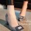 รองเท้าคัทชู ส้นสูง หัวแหลม แต่งหัวเข็มขัดฝังเพชร (สีเทา ) thumbnail 1