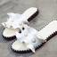 รองเท้าแตะผู้หญิงสีขาวแบบสวม แต่งหนังระบายมุ้งมิ้ง (สีขาว ) thumbnail 5
