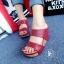รองเท้าส้นเตารีด แบบสวม สายคาด2ระดับ (สีแดง ) thumbnail 3