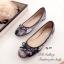 รองเท้าส้นแบน หุ้มส้น ลายดอกไม้วินเทจ (สีดำ ) thumbnail 1