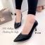 รองเท้าคัทชูหัวแหลมสีดำ หนังนิ่ม เย็บหนังเฉียง (สีดำ ) thumbnail 1