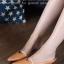 รองเท้าส้นเตี้ย หัวแหลม เปิดส้น สายคาดสีทอง (สีน้ำตาล ) thumbnail 1