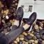 รองเท้าผ้าใบแฟชั่นสีดำ แต่งเพชร สไตล์เกาหลี (สีดำ ) thumbnail 5