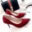 รองเท้าคัทชู ส้นสูง หัวแหลมแต่สีทอง ผ้าซาติน (สีแดง ) thumbnail 3
