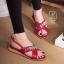 รองเท้าแตะรัดส้นสีแดง สายคาดไขว้ ประดับเพชร (สีแดง ) thumbnail 4