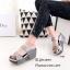 รองเท้าส้นเตารีดเปิดส้นสีเทา สายคาดสองตอน ประดับอะไหล่เพชร (สีเทา ) thumbnail 3