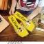 รองเท้าแตะแฟชั่นสีเหลือง สายคาดพลาสติกใส ไม่บาดเท้า (สีเหลือง ) thumbnail 1