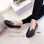 รองเท้าคัทชู ส้นเตี้ย หนังนิ่ม หน้าวี (สีดำ ) thumbnail 4