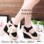 รองเท้าส้นเตารีดรัดส้นสีดำ วัสดุผ้าลายลูกไม้วิ้งๆในตัว (สีดำ ) thumbnail 4