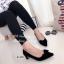 รองเท้าคัทชู ส้นสูง หัวแหลม แต่งโบว์ (สีดำ ) thumbnail 3