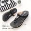 รองเท้าลำลองสีดำ แบบคีบ แต่งอะไหล่โลกะทองตัว V (สีดำ ) thumbnail 2