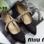 รองเท้าคัทชู ส้นเตี้ย หัวแหลม สายคาดเพชร (สีดำ ) thumbnail 3