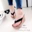 รองเท้าแตะส้นเตารีดสีดำ แบบคีบ ดีเทลขอบหยัก (สีดำ ) thumbnail 1