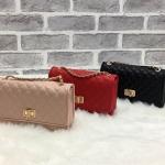กระเป๋าแฟชั่น แบรนด์ CHARLES & KEITH รุ่น QUILTED CHAIN STRAP BAG มี 3 สี สีดำ สีแดง ชมพูนู้ด