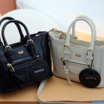 กระเป๋าแฟชั่น แบรนด์ Sanya รหัสสินค้า S038 ขนาด 9 นิ้ว มี 2 สี ดำ ครีม