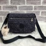 กระเป๋าแฟชั่น แบรนด์ Kipling รุ่น Women's Crossbody Bag มี 3 สี สีดำล้วน ลายเส้นสีกรม ลายดอกลิลลี่สีฟ้า/ส้ม