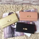 กระเป๋าแฟชั่น แบรนด์ CHARLES & KEITH รุ่น RIBBON DETAIL WALLET มี 3 สี สีดำ, สีชมพู, สีทอง