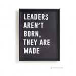 วอลล์อาร์ตตัวอักษร 3 มิติ LEADERS AREN'T BORN, THEY ARE MADE พื้นดำกรอบดำ