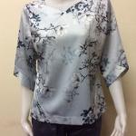 เสื้อคอแฟชั่นผ้าเมสัน By PISTA สีเทาอ่อน Size 42