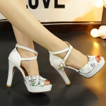 Preorder รองเท้าแฟชั่น สไตล์ เกาหลี 32-43 รหัส 9DA-7600